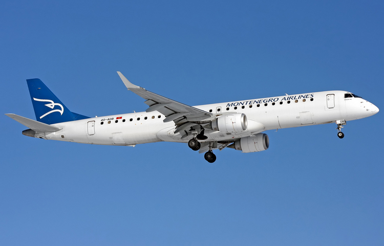montenegro airlines самолет